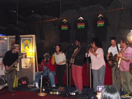 Apollo pre gig.. acoustic gig