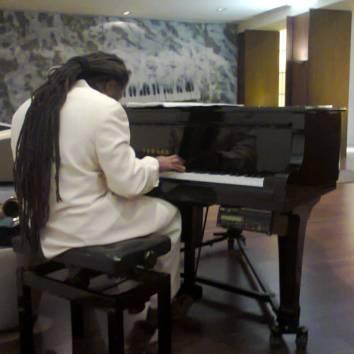 Luis plays beautiful Jazz Piano